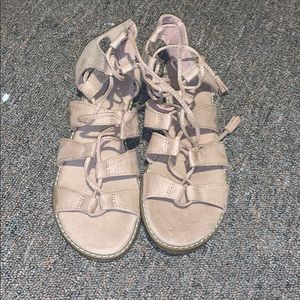 sandals new without tags